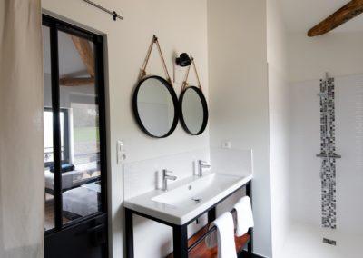 salle de bain - domaine de la barbelière - réception - mariage - séminaires - gîte de groupe proche Lyon Vienne Valence