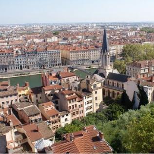 Ville de Lyon - reception mariage seminaire gite vienne lyon valence Domaine de la Barbeliere